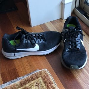 Nike zoom structure 21 running